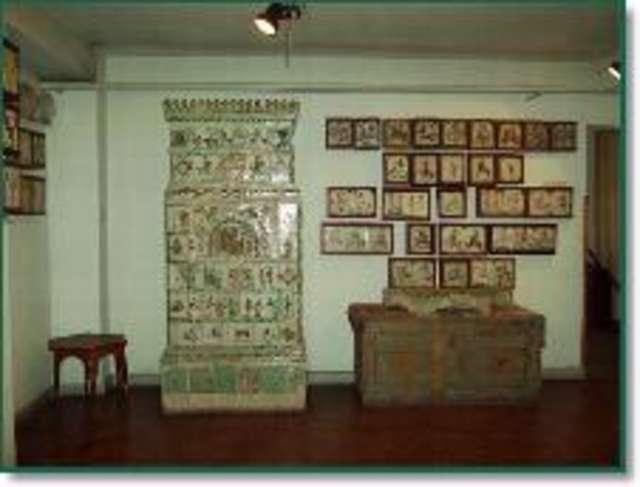 Ludowe kafle mazurskie - wystawa stała - full image