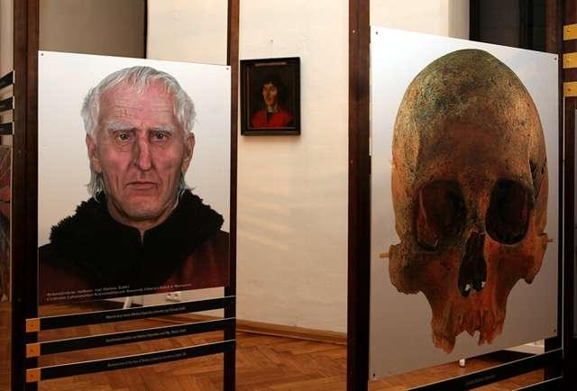 Otwarcie wystawy Odkrycie grobu i  pochówek Mikołaja Kopernika - full image