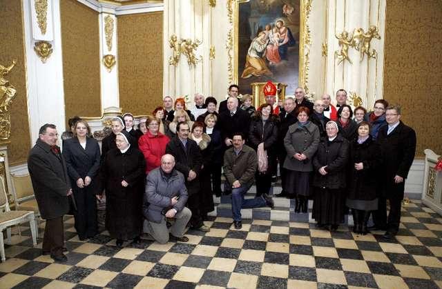 Msza święta - Zakończenie prac konserwatorskich przy ołtarzach kaplicy zamkowej - full image