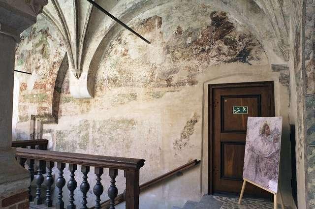 Uroczyste zakończenie projektu Ratunkowe prace konserwatorskie krużganków zamku lidzbarskiego - full image
