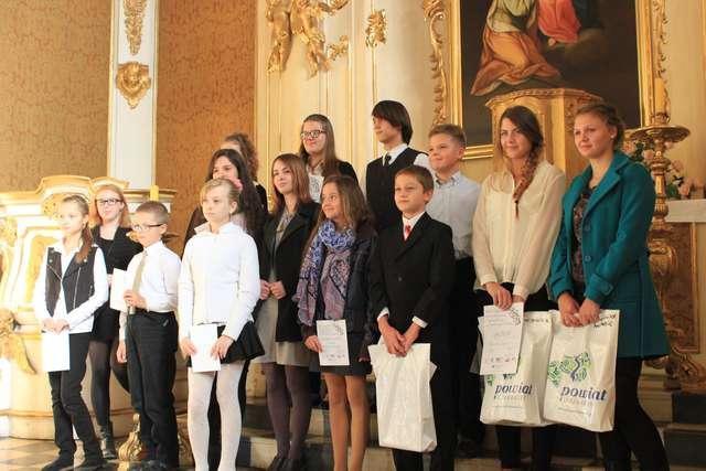 XXXVIII Wojewódzki Konkurs Krasomówczy Młodzieży Szkolnej im. Marii Zientary-Malewskiej. - full image