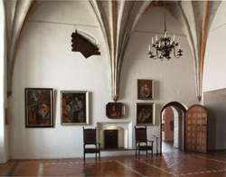 Прмёмный зал, Библиотека