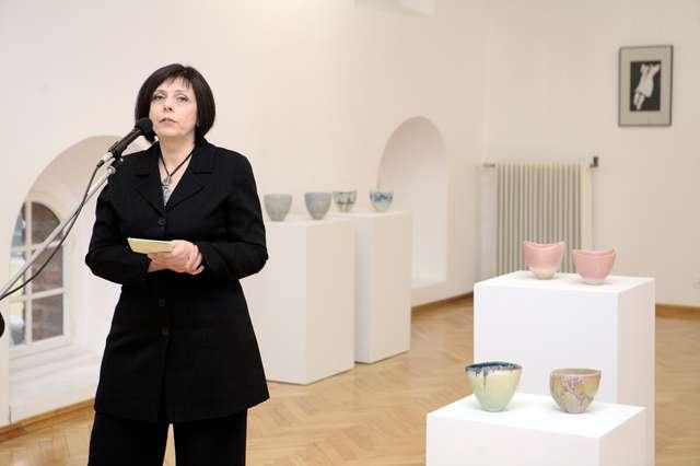 Otwarcie autorskiej wystawy ceramiki Anny Sułkiewicz-Rudzkiej. - full image