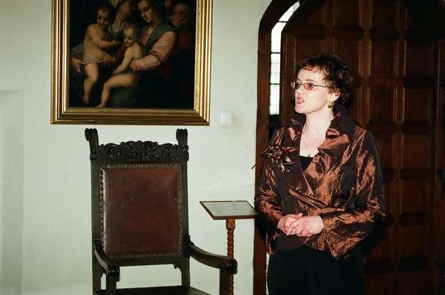 Iwona B. Kluk, kustosz w Dziale Sztuki Dawnej, specjalizująca się w badaniach nad malarstwem, została mianowana na stanowisko kierownika Muzeum Warmińskiego w Lidzbarku Warmińskim.  - full image