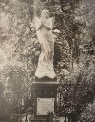 Od prof. Ursuli Blanchebarbe nadeszła wiadomość, że odnaleziono fotografię figury Anioła Śmierci