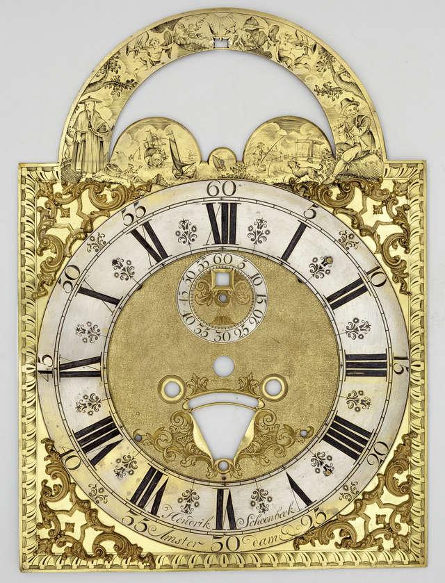 Na zdjęciu: tarcza zegarowa z XVIII wieku (Amsterdam) ze zbiorów Muzeum Warmii i Mazur w Olsztynie.  - full image