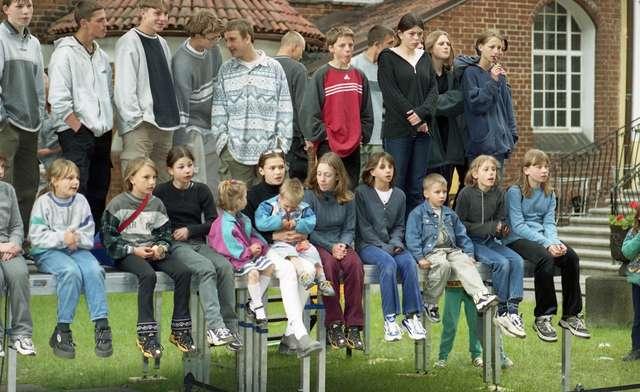 Z okazji Międzynarodowego Dnia Dziecka na zamku w Olsztynie zorganizowano imprezę plenerową Muzeum Warmii i Mazur Dzieciom.  - full image