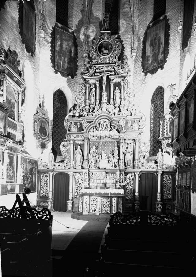 Ołtarz w farze św. Jana Ewangelisty w Bartoszycach przed zniszczeniem. Fot. z archiwum Instytutu Sztuki PAN w Warszawie - full image