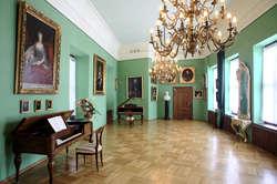 """W Muzeum im. Johanna Gottfrieda Herdera w Morągu – Oddziale Muzeum Warmii i Mazur odbył się koncert z cyklu """"Muzyka w pałacowych pokojach""""."""