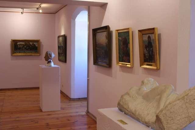 Galeria Malarstwa Polskiego 1 połowy XX wieku - wystawa stała. - full image