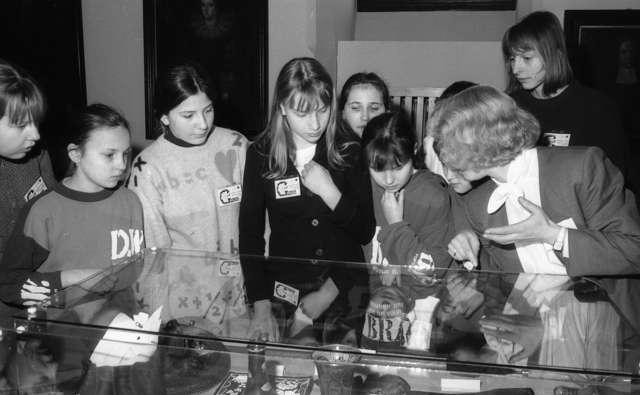 Pokaz muzealiów zakonserwowanych, zakupionych lub ofiarowanych w 1994 r. - full image