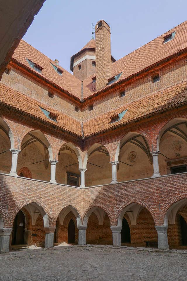 Zachęcamy do oddania głosów na budowle z naszego regionu: Zamek w Lidzbarku Warmińskim - full image