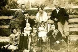 Rodzina Muszałowskich w odwiedzinach u Heleny Orzechowskiej, Zurne, 1926 r.  (dar Alicji Orzechowskiej)