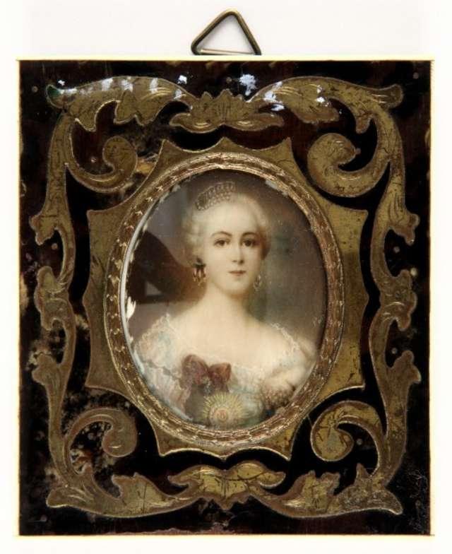 Portret młodej kobiety. Miniatura II połowa XIX wieku  - full image