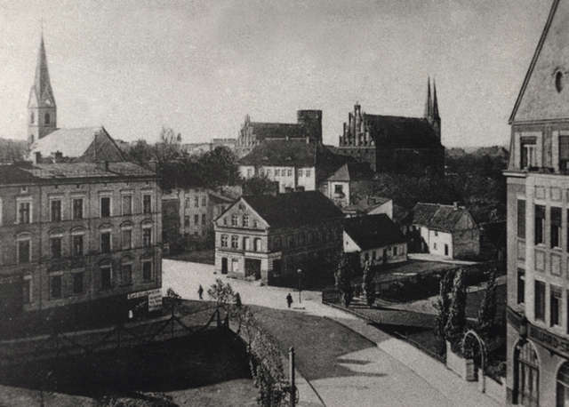 """Widok na siedzibę """"Gazety Olsztyńskiej"""", lata 20. XX wieku - full image"""