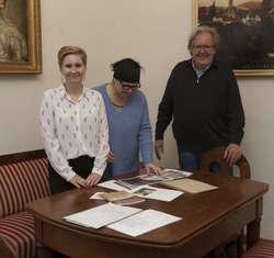 Od prawej: prof. Gerd Graẞhoff, Joanna Graẞhoff, dr Kinga Raińska