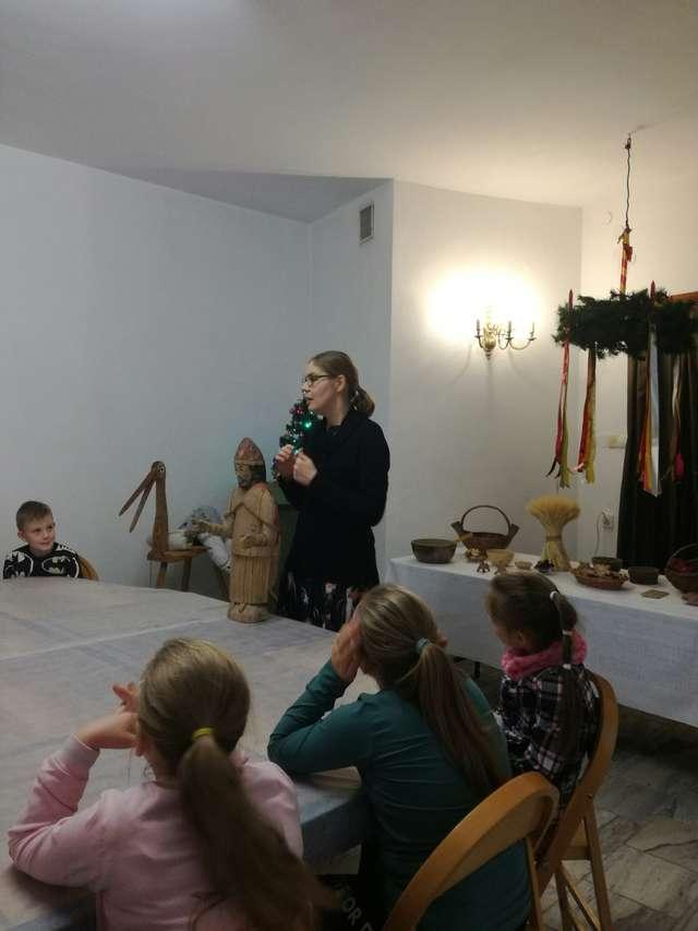 Warsztaty bożonarodzeniowe w Muzeum w Morągu - full image