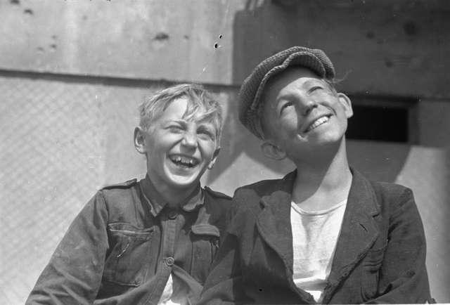 """Na nowo. Warszawiacy 1945-55"""" - full image"""