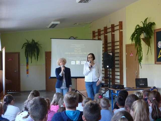 Muzeum w szkole – szkoła w muzeum - full image