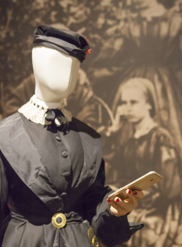 Museum Selfie Day - full image