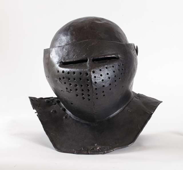 Uzbrojenie zaczepne i obronne od XIV do XX wieku ze zbiorów MWiM - full image