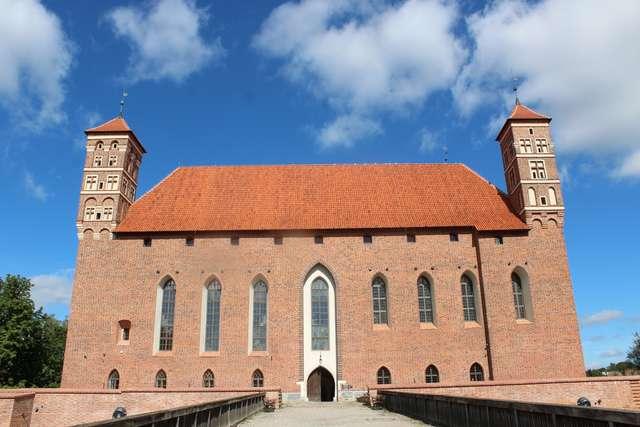 Zamek lidzbarski czeka na zwiedzających - full image