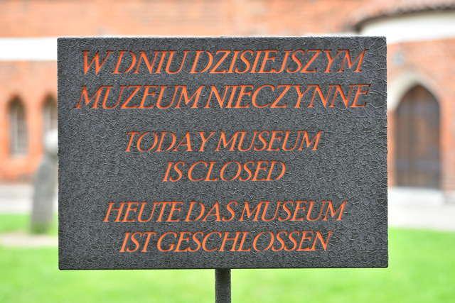2 czerwca Muzeum nieczynne - full image