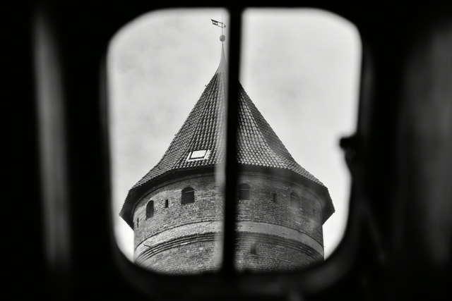 Wieża zamkowa otwarta - full image