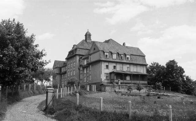 Wilhelm – Auguste – Victoria Haus - full image