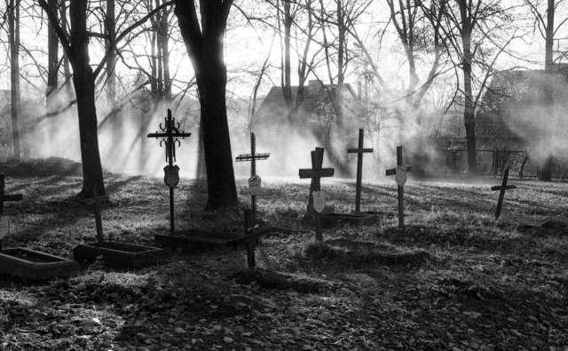 Parę słów o dawnych cmentarzach... - full image