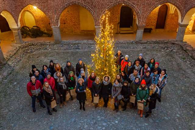 Goście z Ministerstwa w lidzbarskim zamku - full image