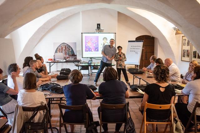 Szkolenie dla lokalnych artystów - full image